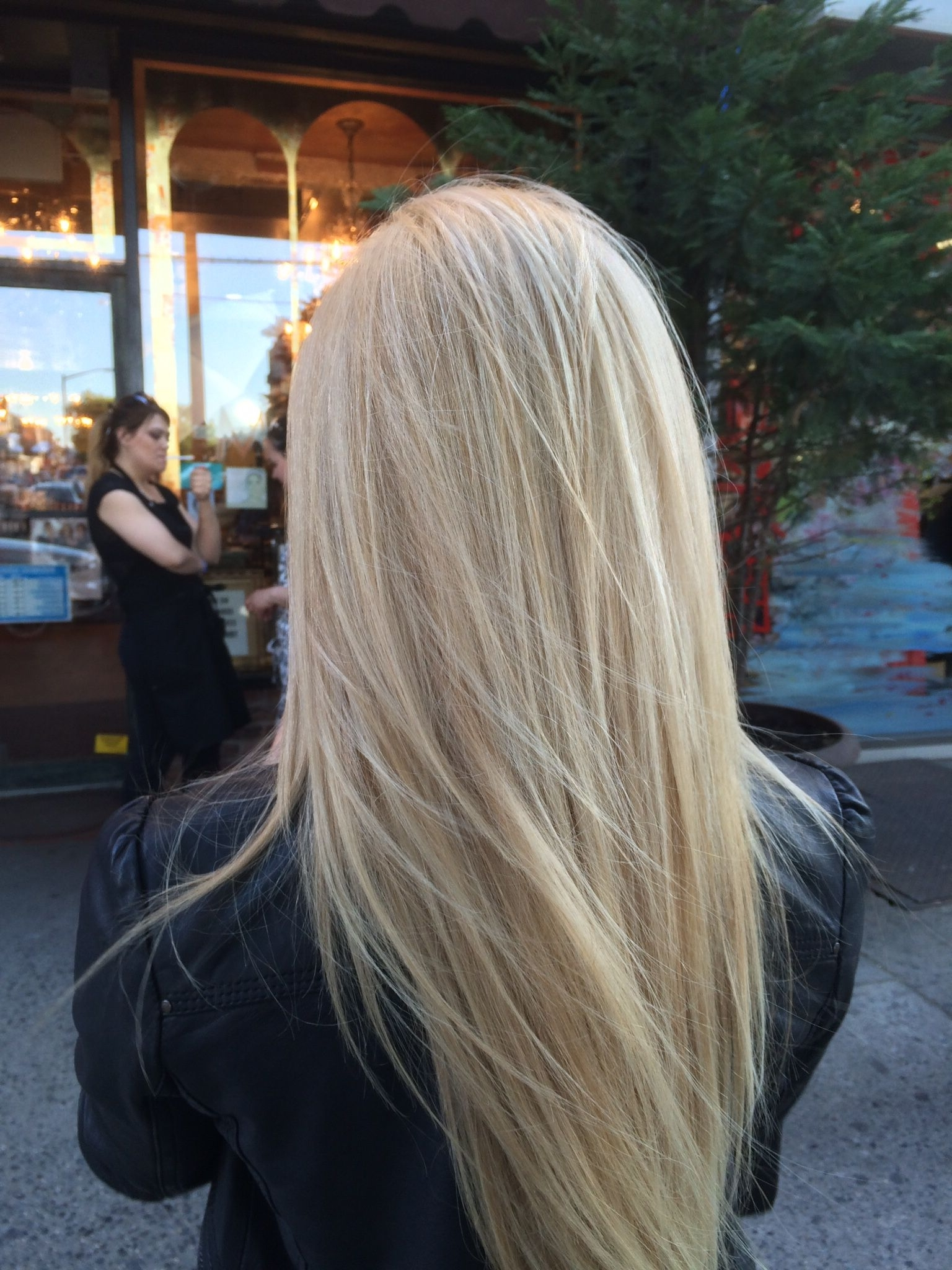 Featured Photo of Pearl Blonde Highlights