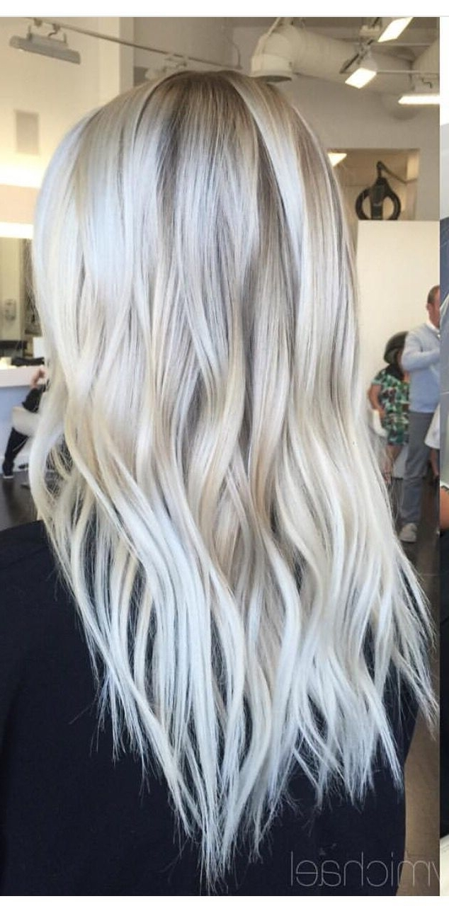 Pinte… Within Current Dark Blonde Hairstyles With Icy Streaks (View 13 of 20)