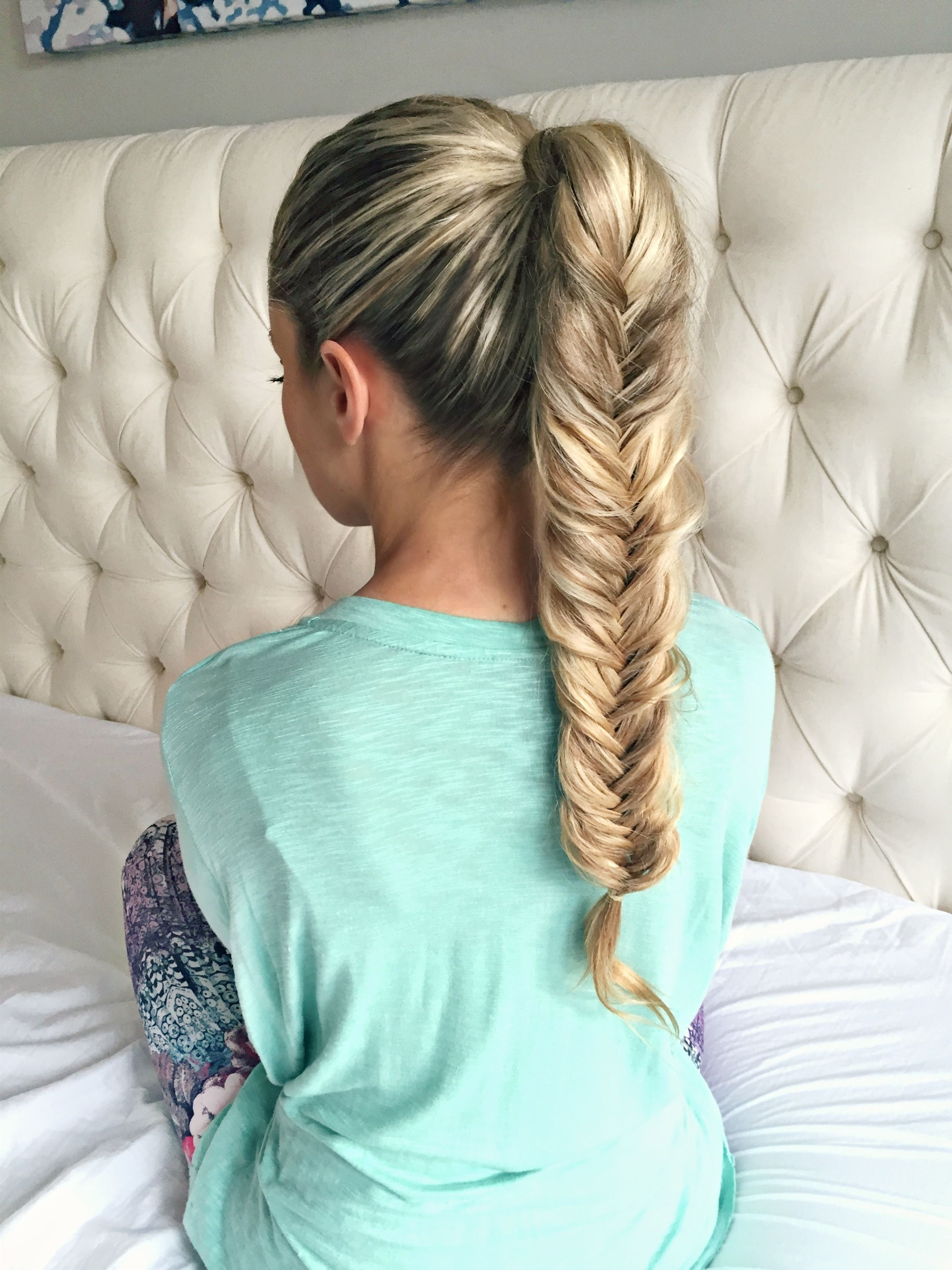 Featured Photo of Chunky Ponytail Fishtail Braid Hairstyles