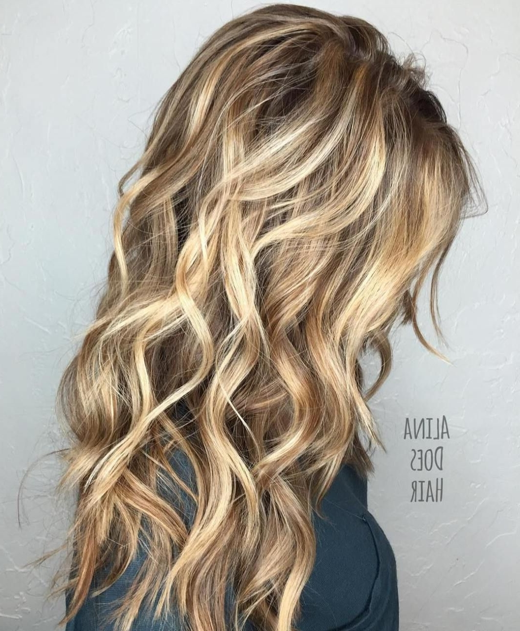 Featured Photo of Straight Sandy Blonde Layers