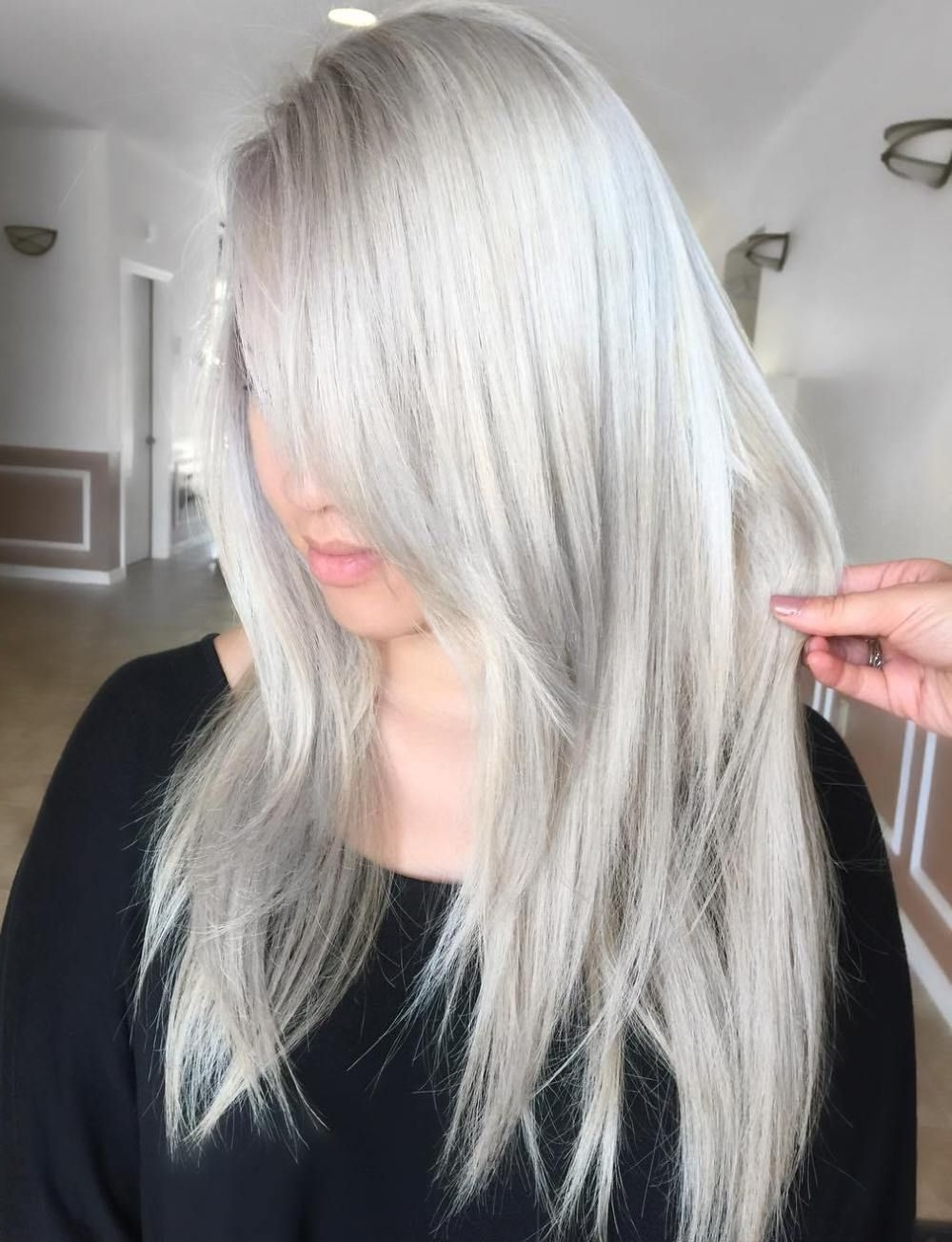 Featured Photo of Silver Blonde Straight Hairstyles