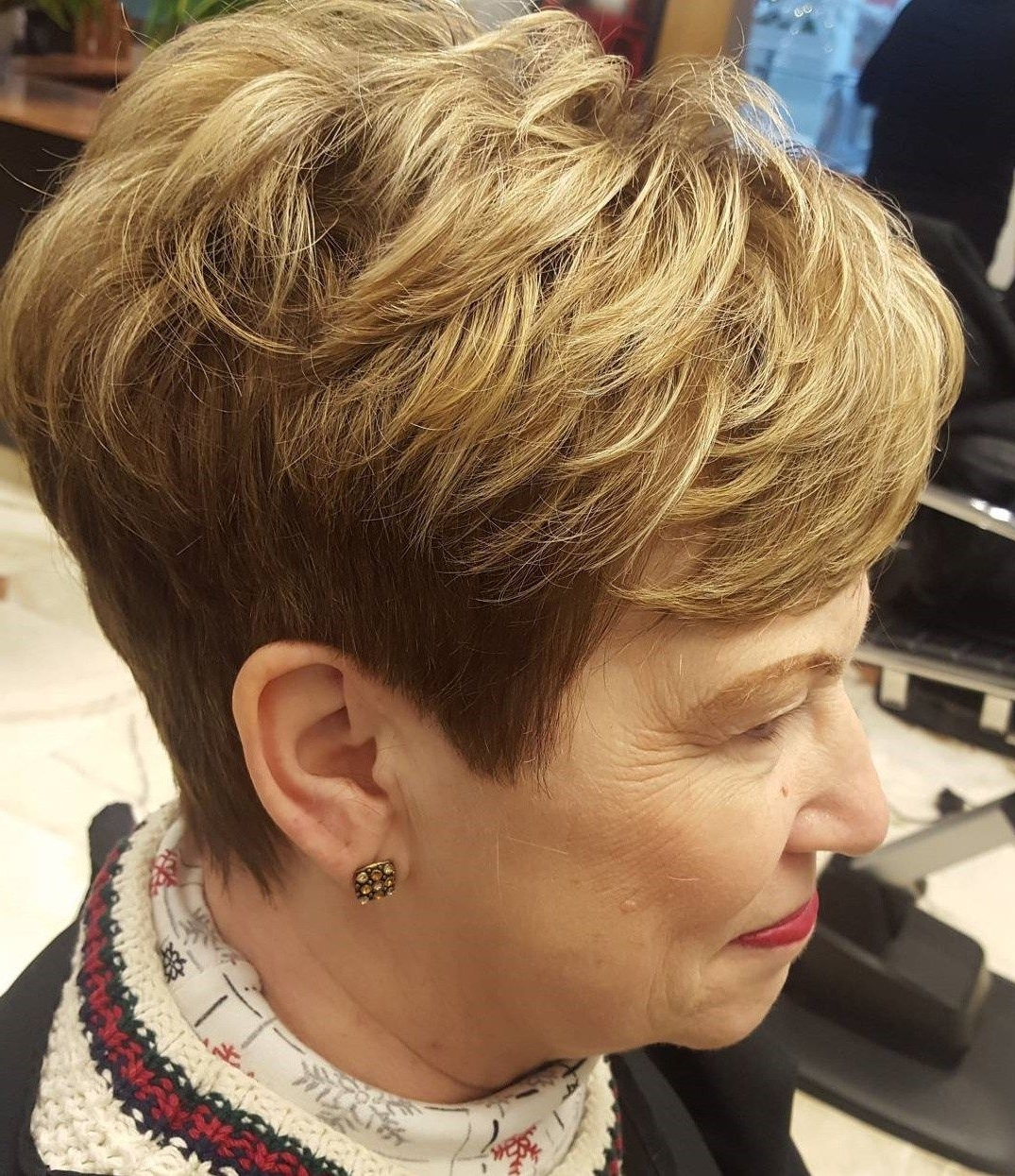 Pinterest In Well Known Two Tone Pixie Hairstyles (View 16 of 20)