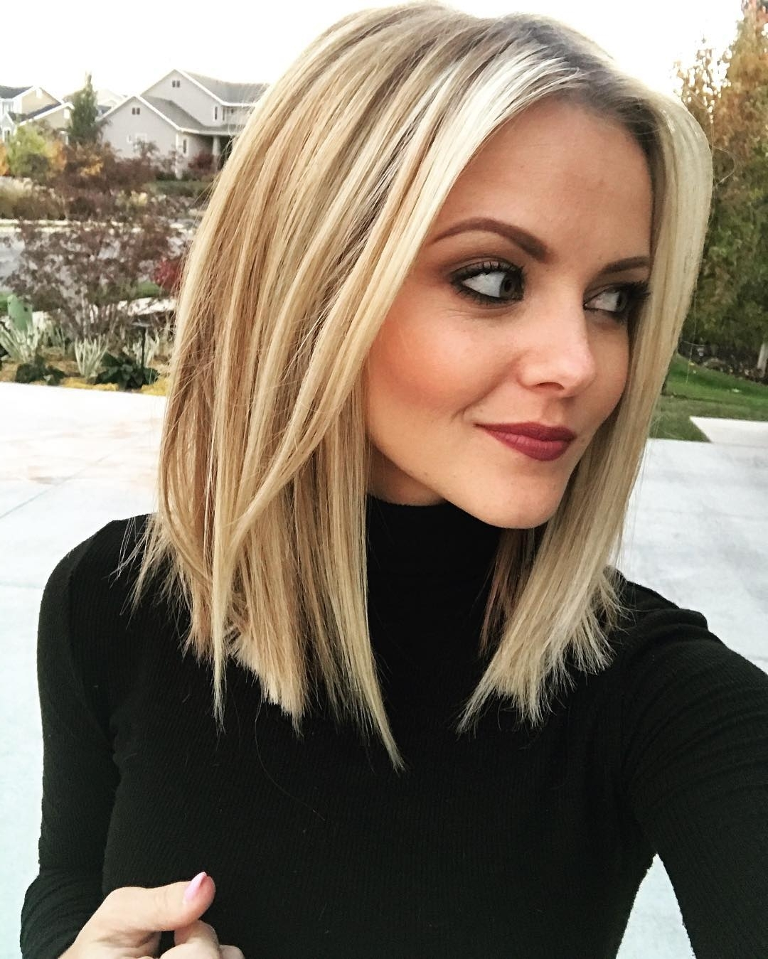 Preferred Classic Blonde Bob With A Modern Twist Intended For 10 Stylish & Sweet Lob Haircut Ideas, 2018 Shoulder Length Hairstyles (View 15 of 20)