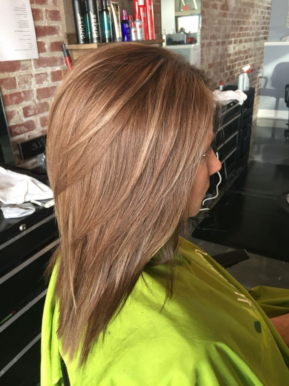 Preferred Curly Caramel Blonde Bob Hairstyles For Hair Color : Brown Hair With Blonde Highlights Wig Light Bob Dark (View 16 of 20)
