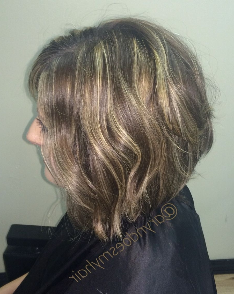 Preferred Messy Blonde Lob With Lowlights In Medium Bob Hair With Messy Beach Waves, Highlights And Lowlights (View 17 of 20)