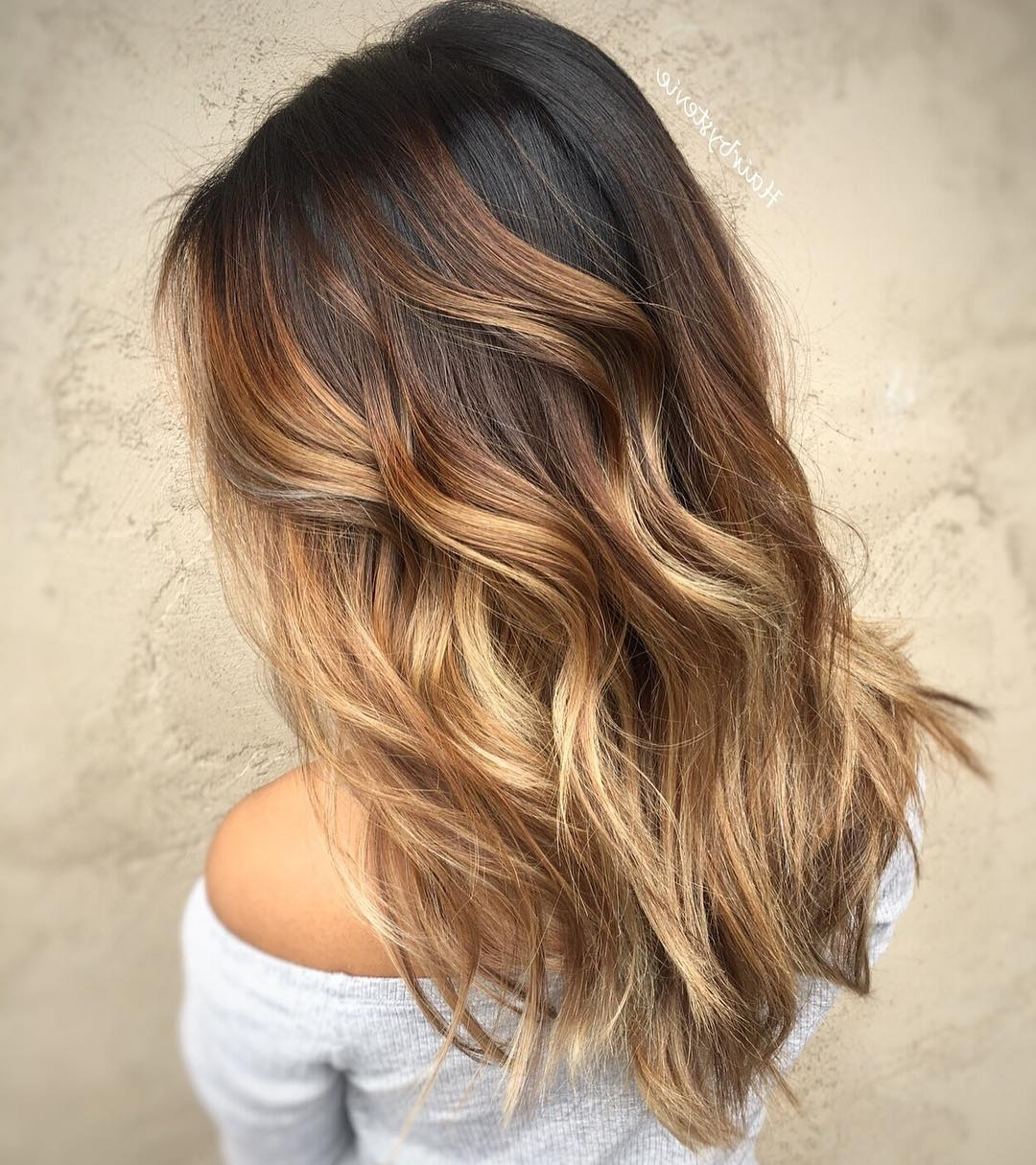 Recent Blonde And Brunette Hairstyles In 20 Sweet Caramel Balayage Hairstyles For Brunettes And Beyond (View 16 of 20)