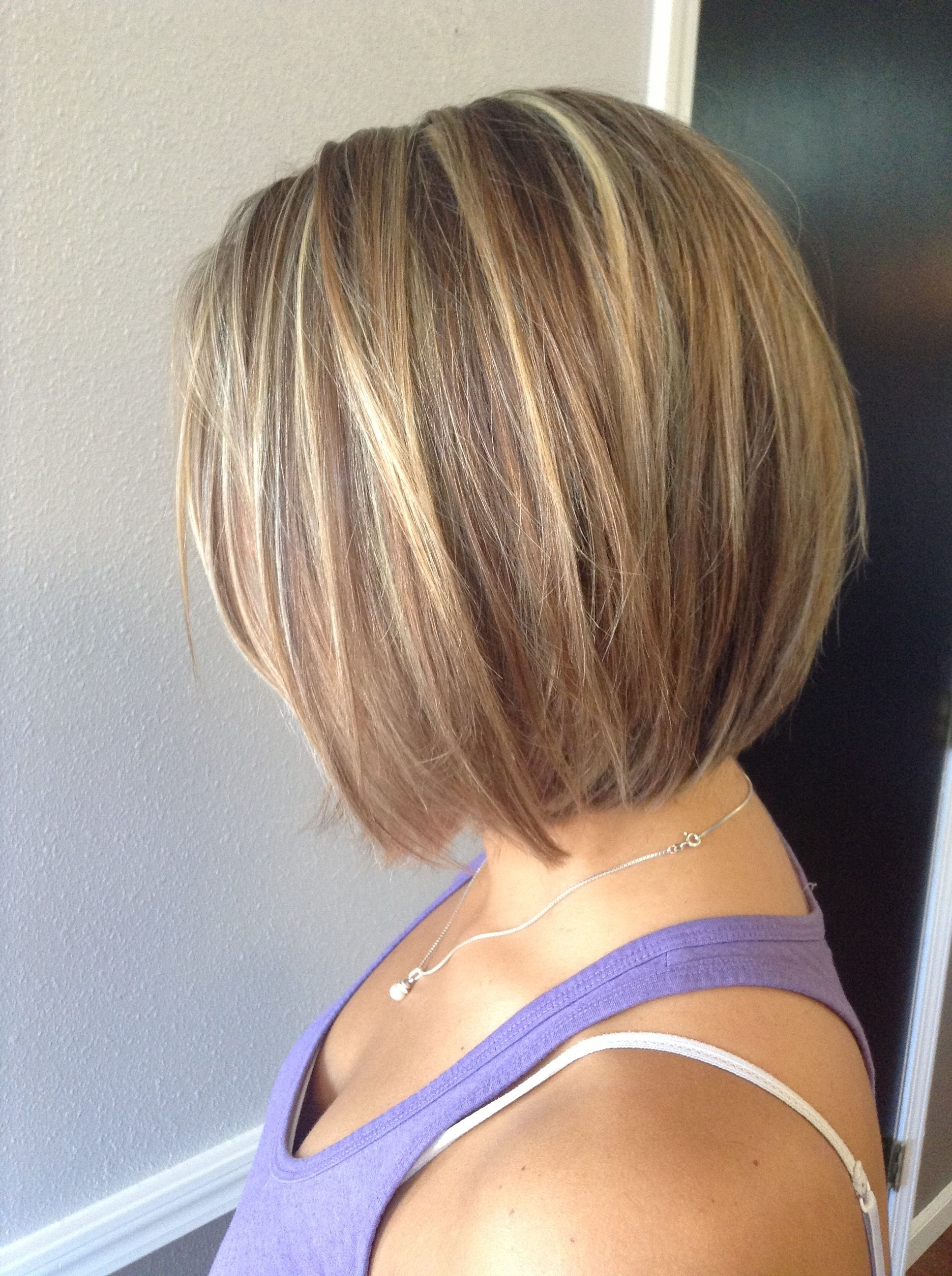 Two Toned Short Haircuts Featuring Blonde And Brown Hair Colors In Preferred Asymmetry Blonde Bob Hairstyles Enhanced By Color (View 13 of 20)