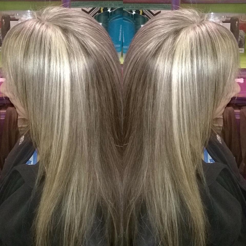 Well Known Light Ash Locks Blonde Hairstyles Throughout 65+ Elegant Ash Blonde Hair Hues You Can't Wait To Try Out (View 12 of 20)