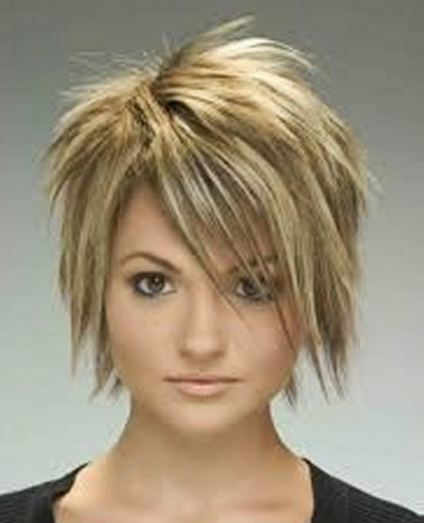 Well Known Short Choppy Side Parted Pixie Hairstyles Intended For 47 Amazing Pixie Bob You Can Try Out This Summer! (View 19 of 20)