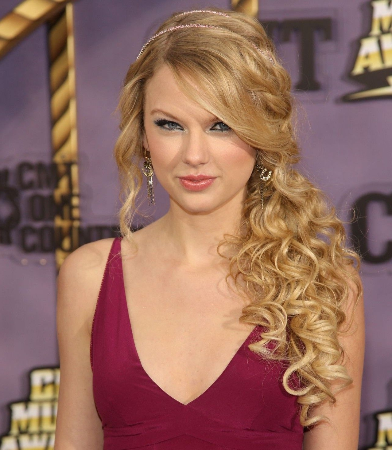 Well Known Side Swept Curly Ponytail Hairstyles Inside Formal Curly Ponytail Hairstyles – Google Search (View 8 of 20)