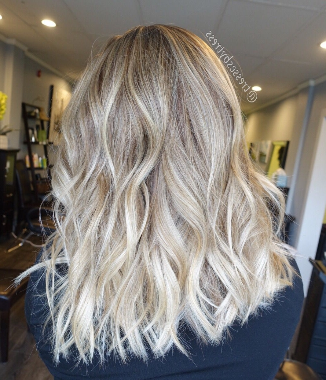 Well Liked Creamy Blonde Waves With Bangs In Blonde Balayage Textured Bob With Beach Waves (View 5 of 20)