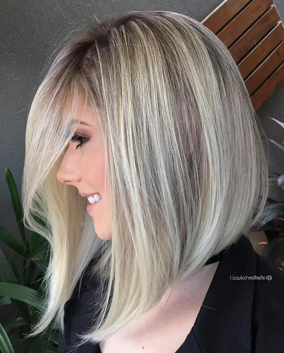Well Liked Striking Angled Platinum Lob Blonde Hairstyles With Regard To 40 Styles With Medium Blonde Hair For Major Inspiration (View 19 of 20)