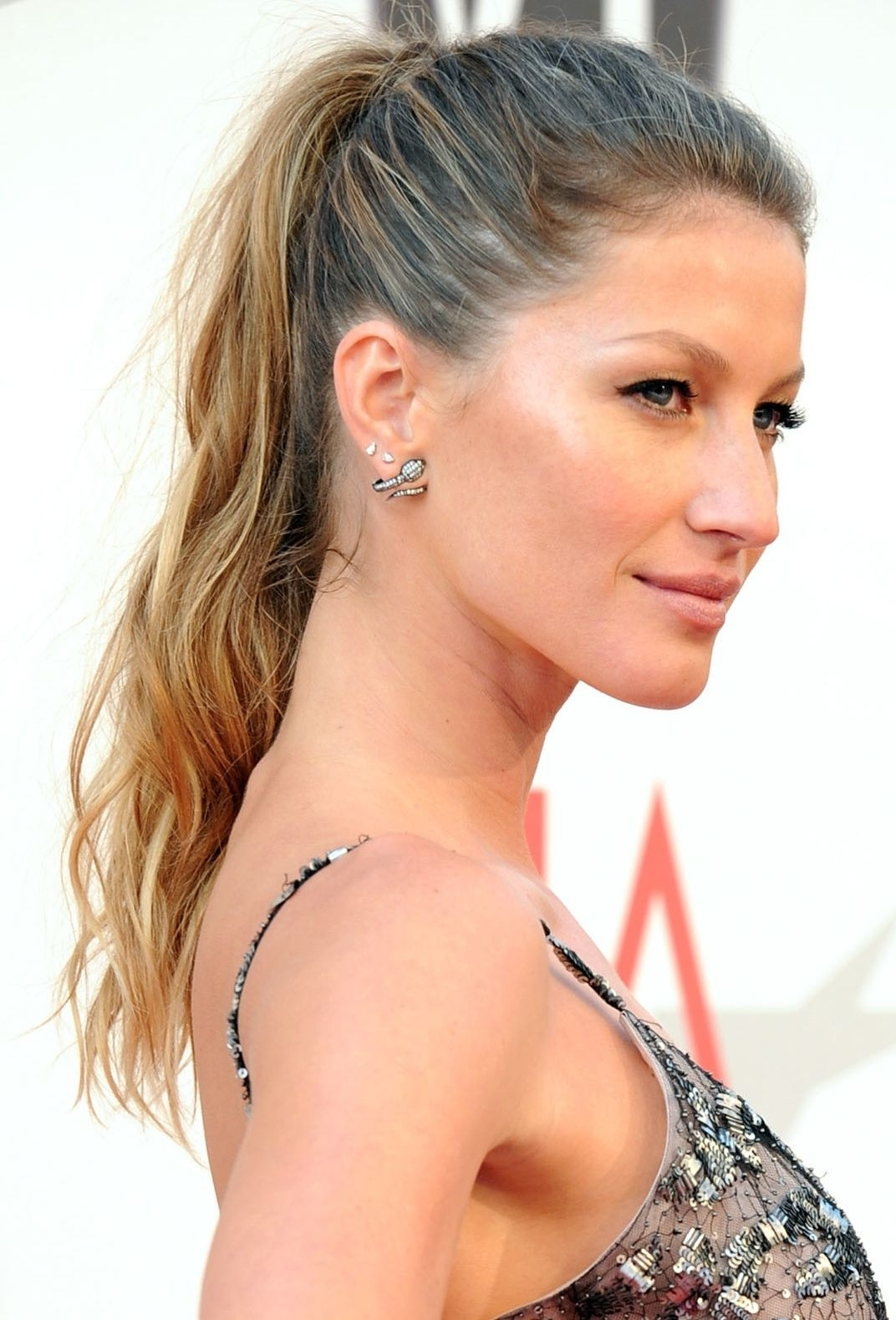 Well Liked Stylish Supersized Ponytail Hairstyles Intended For Gisele (View 19 of 20)
