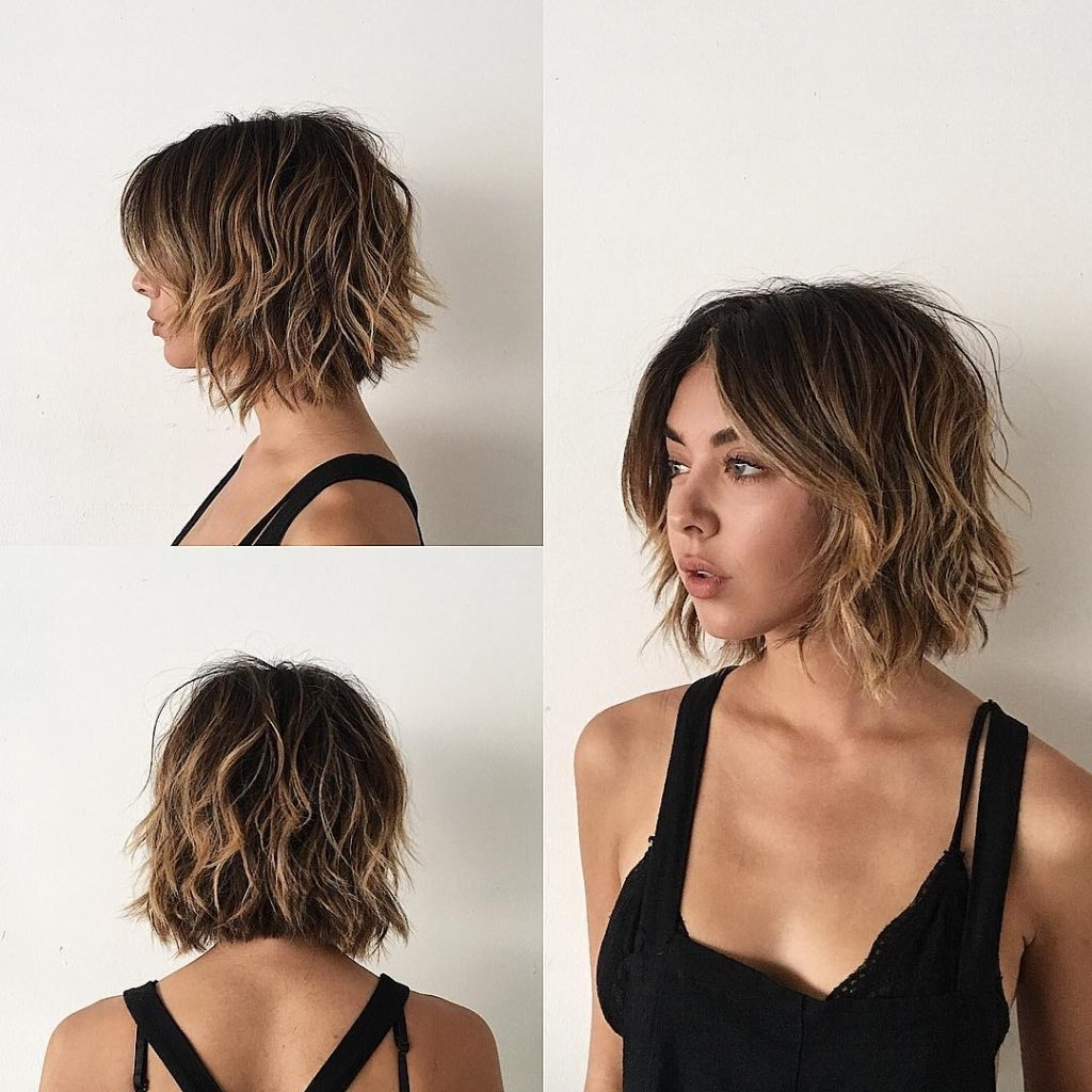 Widely Used Balayage Pixie Hairstyles With Tiered Layers With Regard To Women's Sexy Layered Bob With Curtain Bangs And Undone Wavy Texture (View 14 of 20)