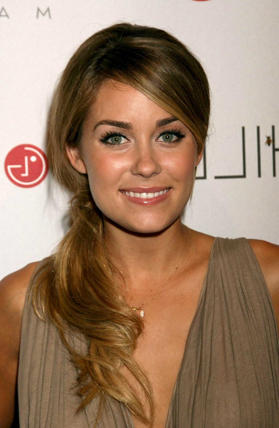 Widely Used Side Swept Warm Blonde Hairstyles With Regard To Lauren Conrad Hairstyle (View 19 of 20)