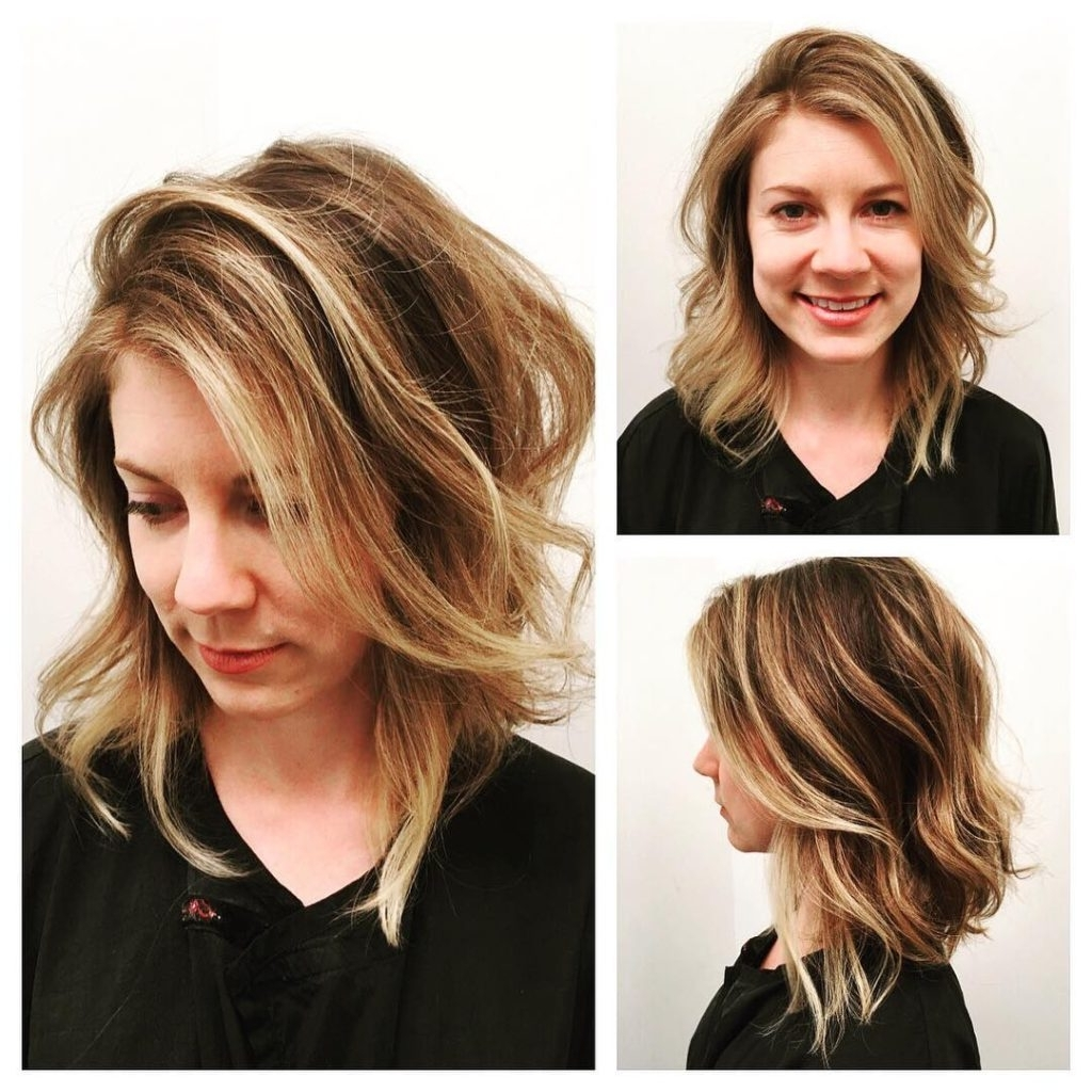 Women's Angled Dark Blonde Lob With Undone Soft Waves And Highlights With Popular Gently Angled Waves Blonde Hairstyles (View 12 of 20)
