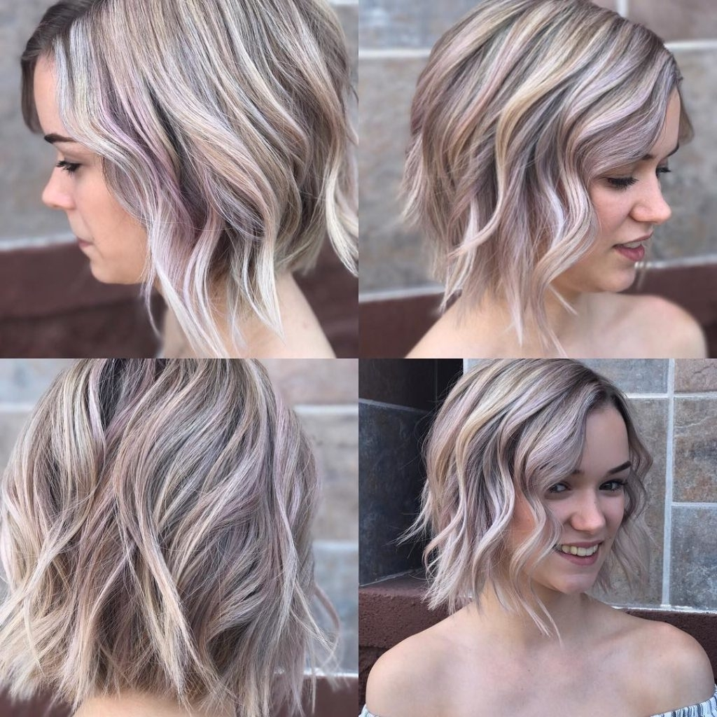Women's Textured Wavy Bob On Ashy Blonde Hair With Rose Gold Highlights Pertaining To Favorite African American Messy Ashy Pixie Hairstyles (View 20 of 20)