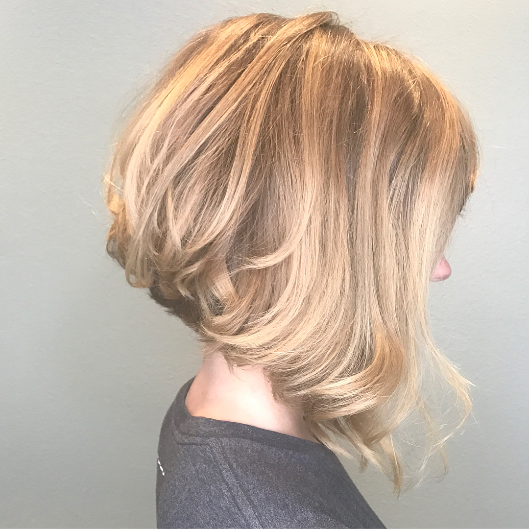 10 Beautiful Medium Bob Haircuts &edgy Looks: Shoulder Length With Messy Jaw Length Blonde Balayage Bob Haircuts (View 11 of 20)