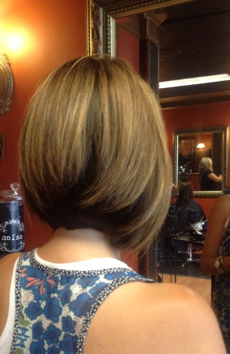 10 Chic Inverted Bob Hairstyles: Easy Short Haircuts – Popular Haircuts Inside Inverted Bob Hairstyles With Swoopy Layers (View 1 of 20)