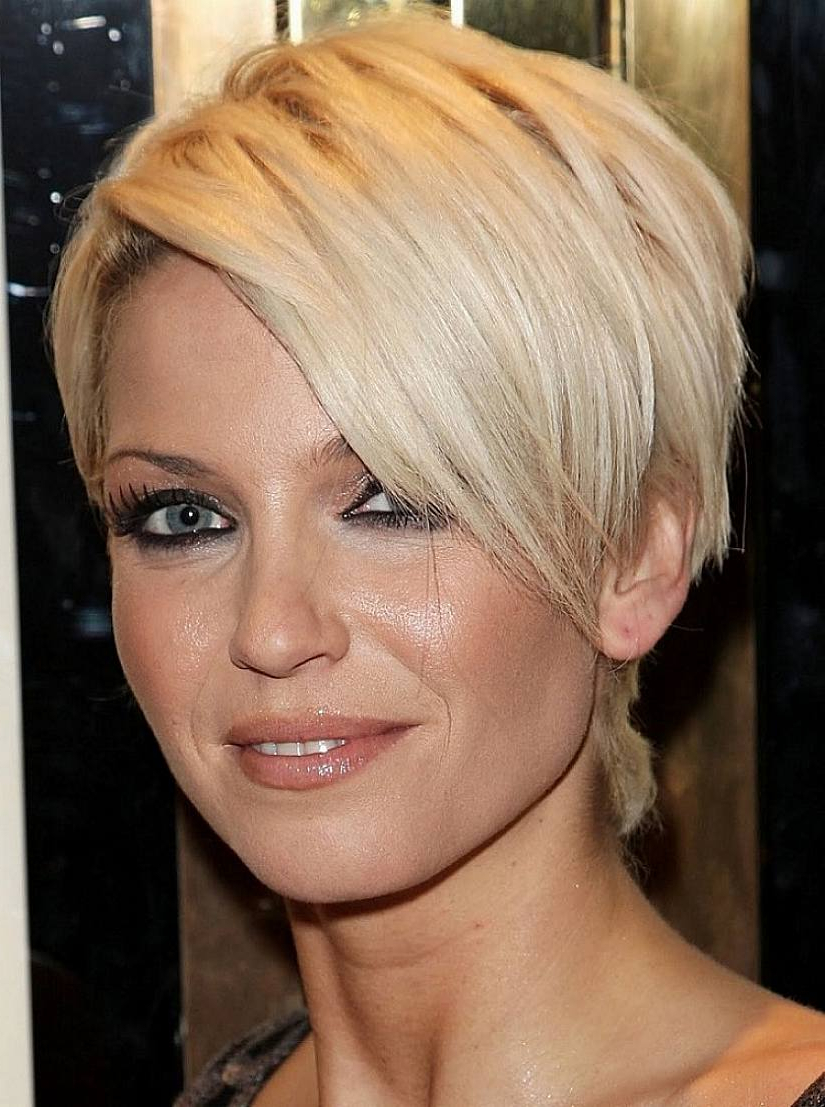 12 Long Pixie Cuts, Bangs And Bob You Will Ever Need Throughout Disheveled Blonde Pixie Haircuts With Elongated Bangs (View 3 of 20)