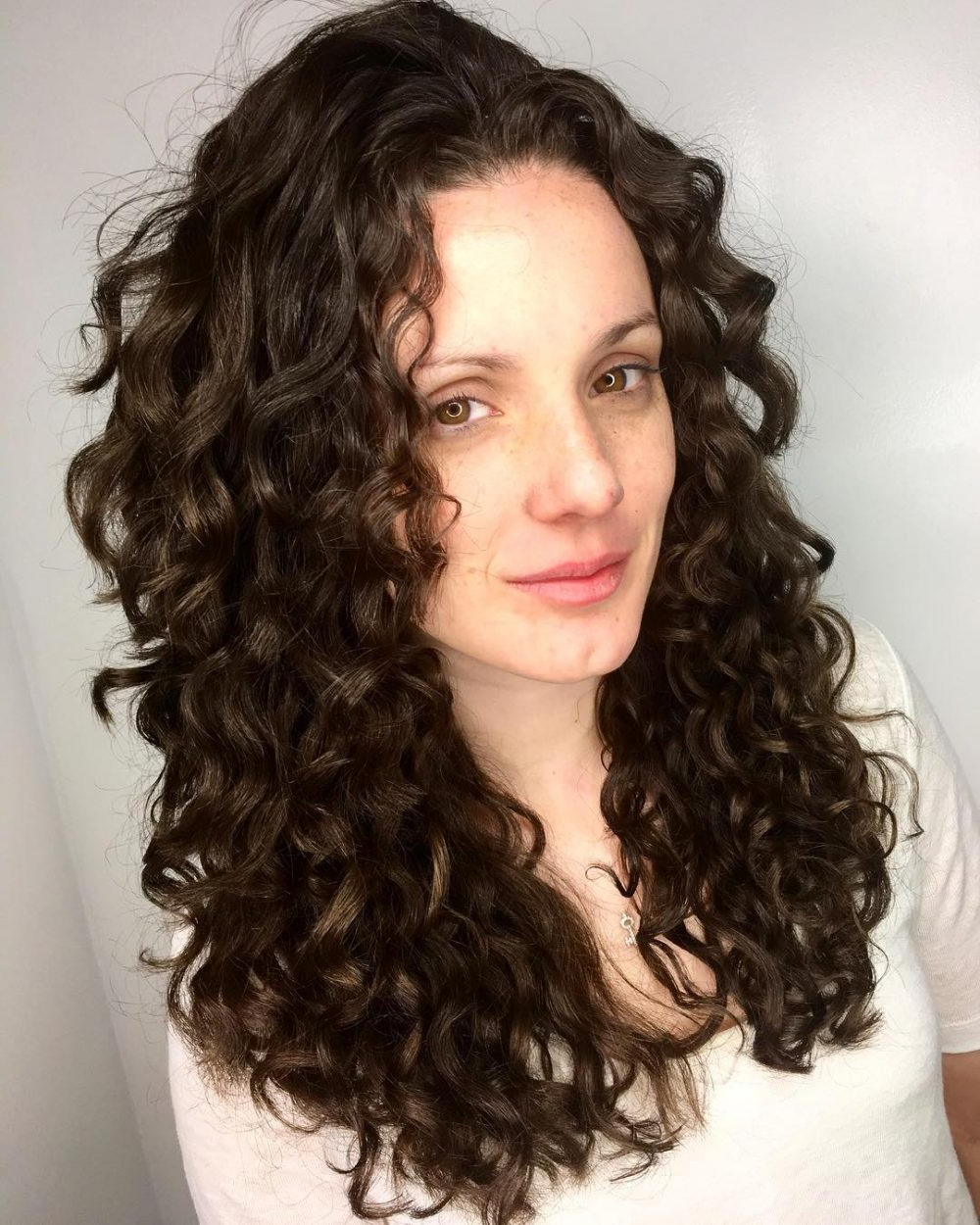 25 Cutest Long Curly Hair Ideas Of 2018 Pertaining To Short Bob Hairstyles With Whipped Curls And Babylights (View 1 of 20)