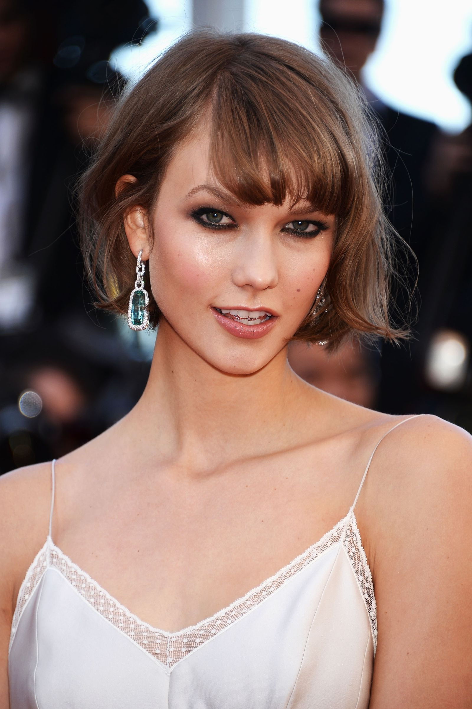 26 Perfectly Swoopy Side Bangs That Are Worth The Extra Maintenance Within Short Hairstyles With Flicks (View 1 of 20)