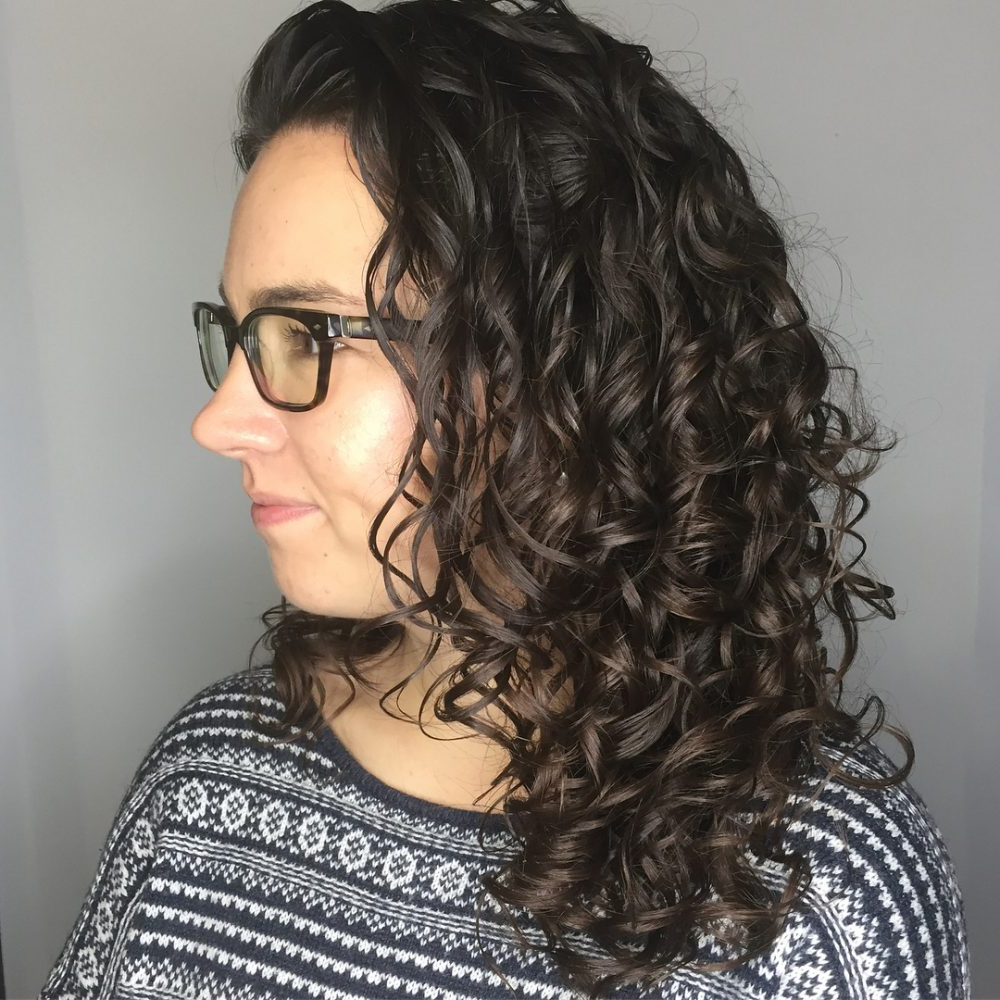 30 Gorgeous Medium Length Curly Hairstyles For Women In 2018 In Scrunched Curly Brunette Bob Hairstyles (View 3 of 20)