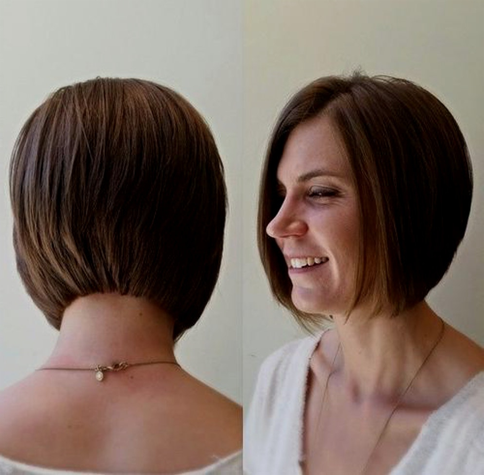30 Latest Chic Bob Hairstyles For 2018 – Pretty Designs Regarding Jaw Length Inverted Curly Brunette Bob Hairstyles (View 7 of 20)