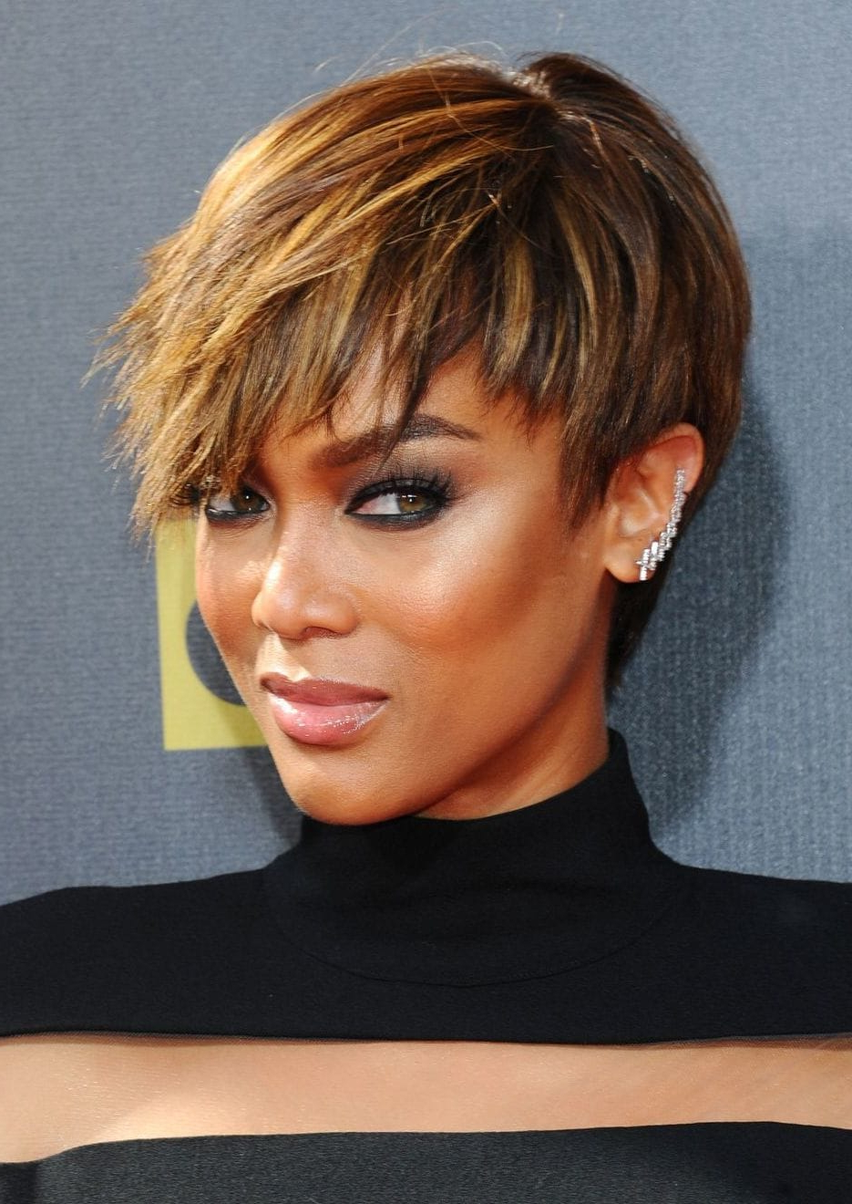 30 Pretty Pixie Cuts Styles Adoreda List Celebrities   All In Disheveled Blonde Pixie Haircuts With Elongated Bangs (View 8 of 20)