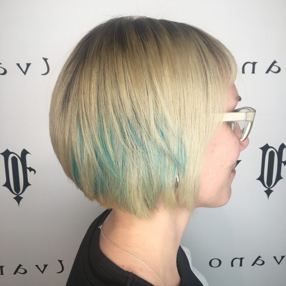 33 Cutest Peekaboo Highlights You'll Ever See In 2018 Inside Extreme Angled Bob Haircuts With Pink Peek A Boos (View 14 of 20)