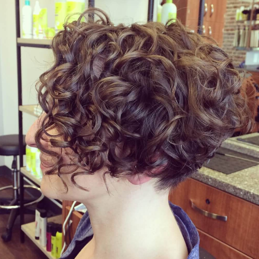 33 Hottest Short Curly Hairstyles Trending In 2018 With Regard To Inverted Brunette Bob Hairstyles With Messy Curls (View 8 of 20)
