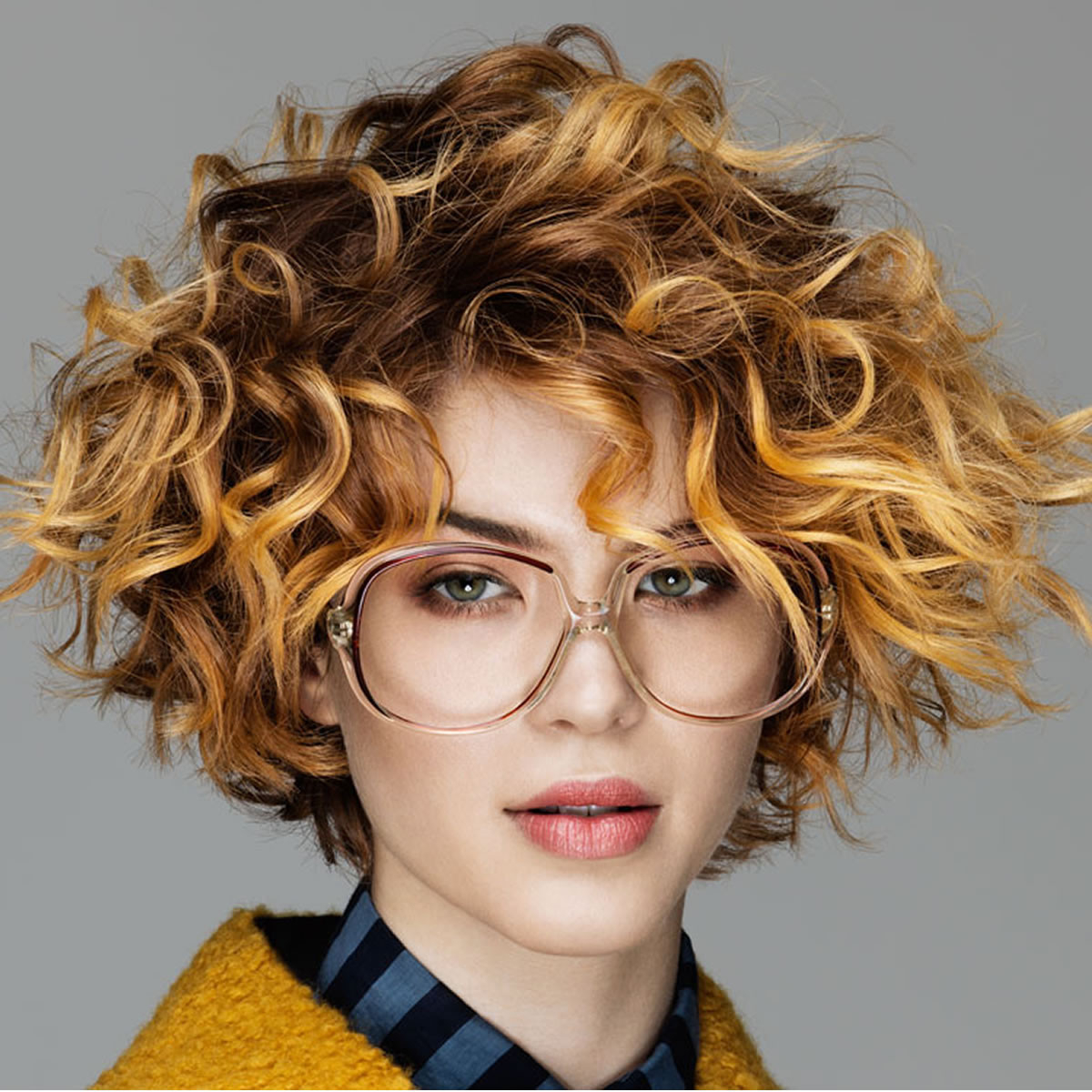 33+ Most Stylish Short Curly Hairstyles & Haircuts For Women For Tousled Wavy Bob Haircuts (View 7 of 20)