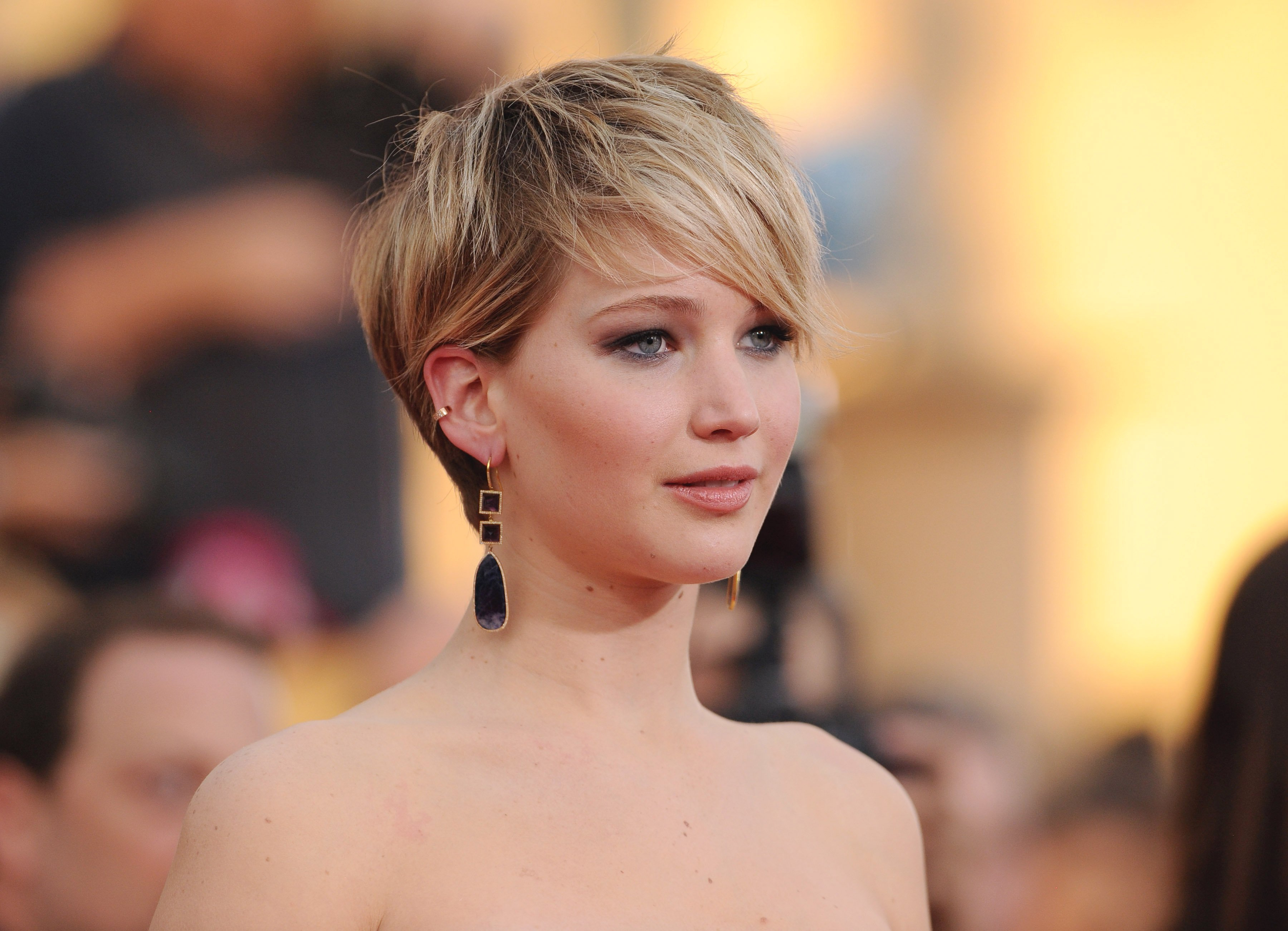 35 Fabulous Short Haircuts For Thick Hair Within Pretty And Sleek Hairstyles For Thick Hair (View 7 of 20)