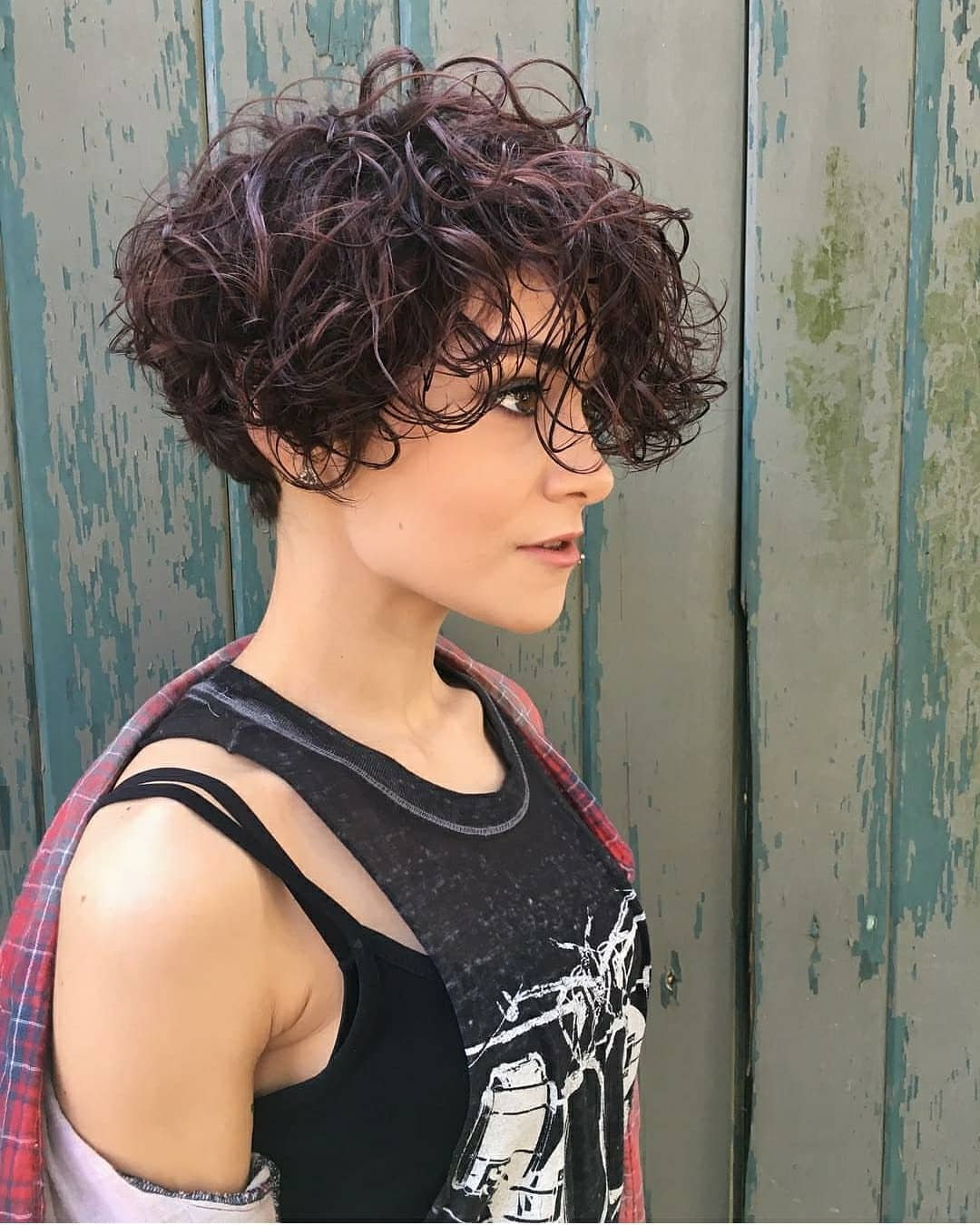 38 Short Hairstyles With Bangs That Are Just Brilliant Throughout Wavy Messy Pixie Hairstyles With Bangs (View 9 of 20)