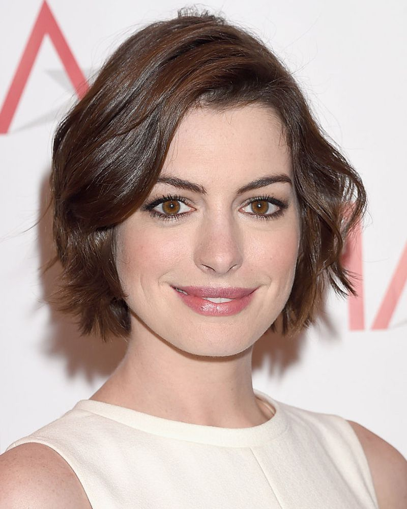 40 Bob Hairstyles For 2018 – Bob Haircuts To Copy This Year Within Edgy Brunette Bob Hairstyles With Glossy Waves (View 15 of 20)