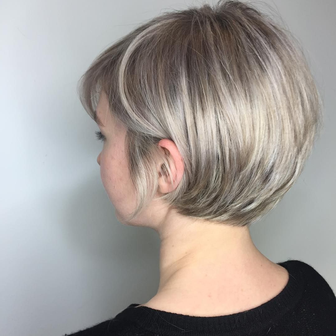 40 Most Flattering Bob Hairstyles For Round Faces 2019 – Hairstyles Inside Dark Blonde Rounded Jaw Length Bob Haircuts (View 9 of 20)