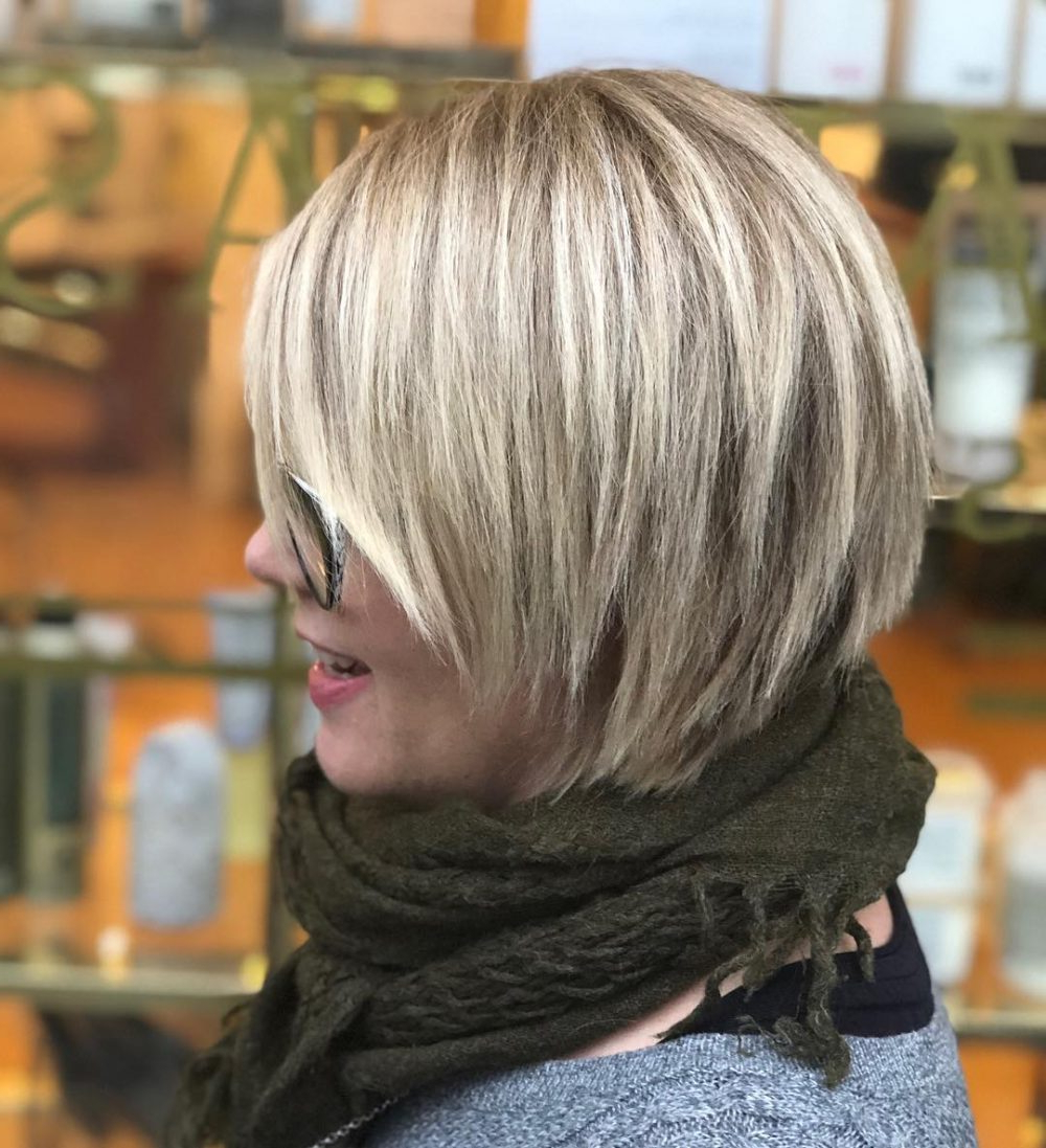 45 Chic Choppy Bob Hairstyles For 2018 Regarding Short Razored Blonde Bob Haircuts With Gray Highlights (View 8 of 20)