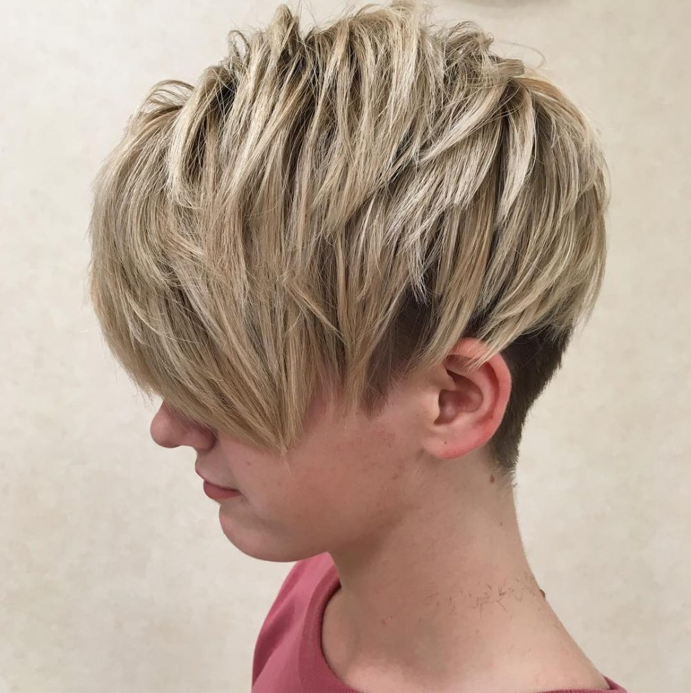47 Popular Short Choppy Hairstyles For 2018 In Long Blonde Pixie Haircuts With Root Fade (View 15 of 20)