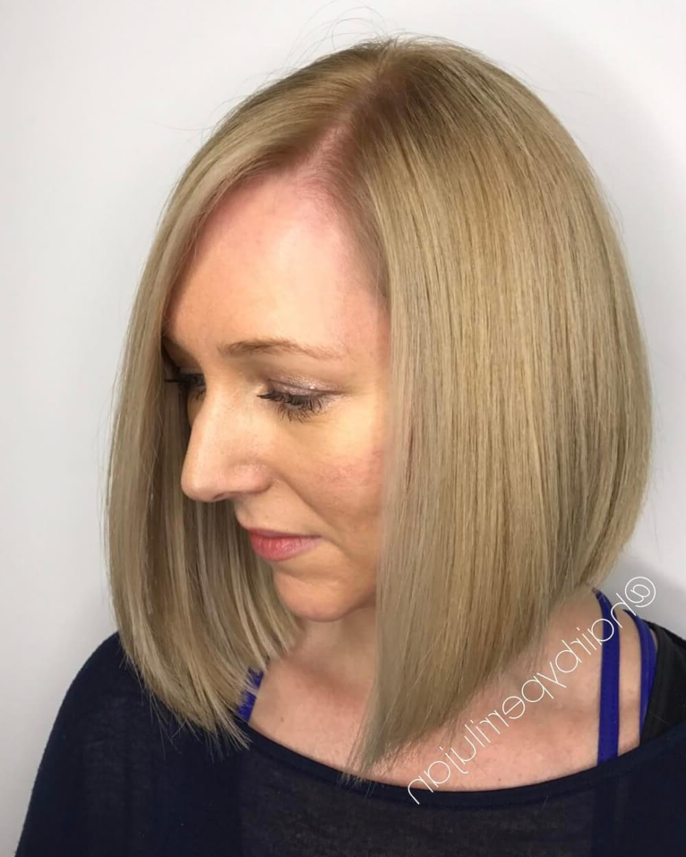 49 Chic Short Bob Hairstyles & Haircuts For Women In 2018 Pertaining To Stacked Sleek White Blonde Bob Haircuts (View 10 of 20)