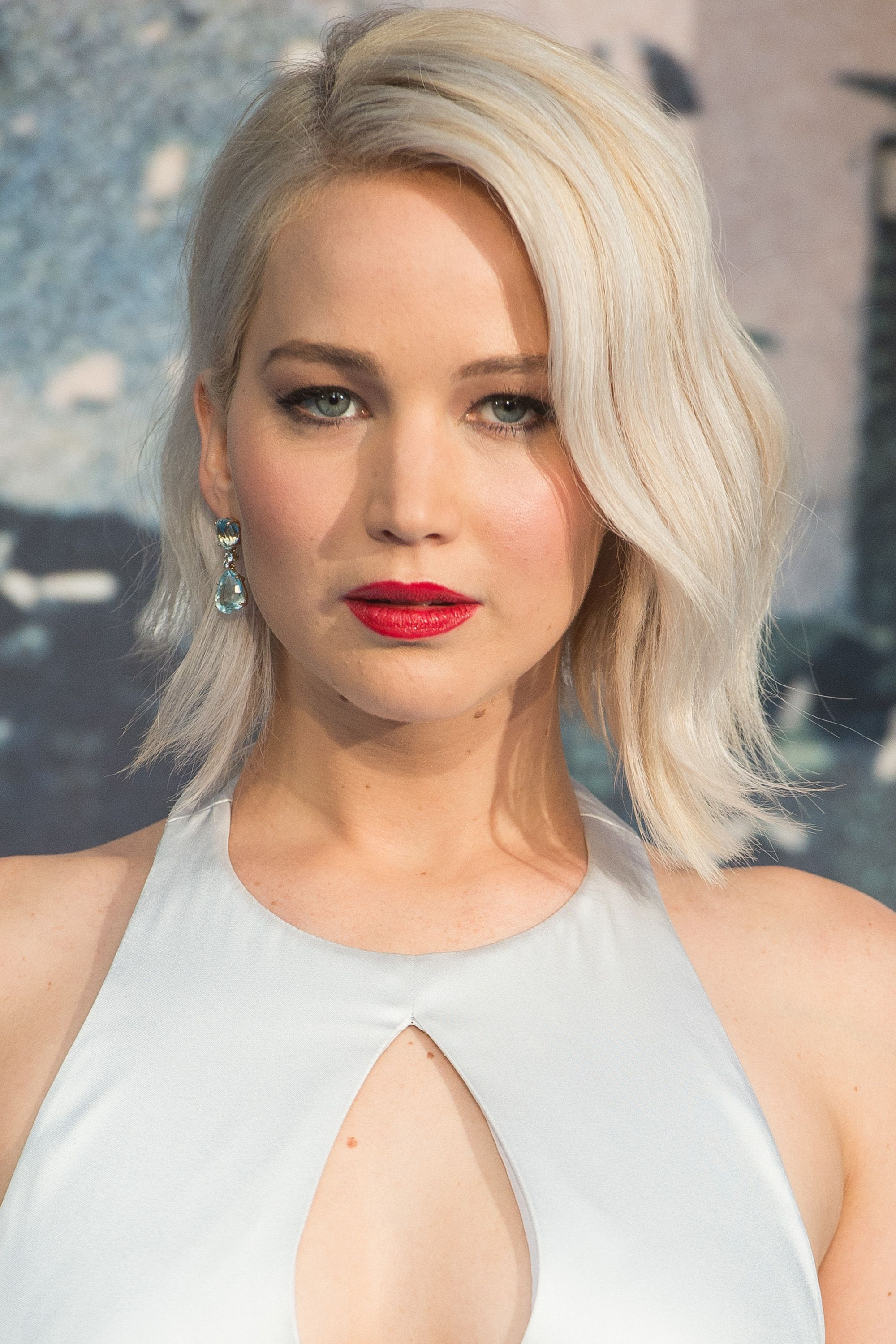 50+ Cute Bob And Lob Haircuts 2018 – Best Celebrity Long Bob Hairstyles In Adorable Wavy Bob Hairstyles (View 12 of 20)