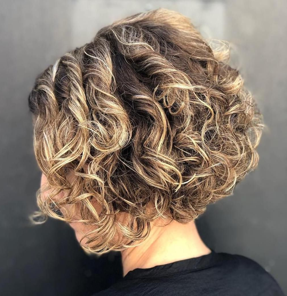 50 Different Versions Of Curly Bob Hairstyle | Curly Bob Hairstyles With Regard To Stacked Curly Bob Hairstyles (View 5 of 20)