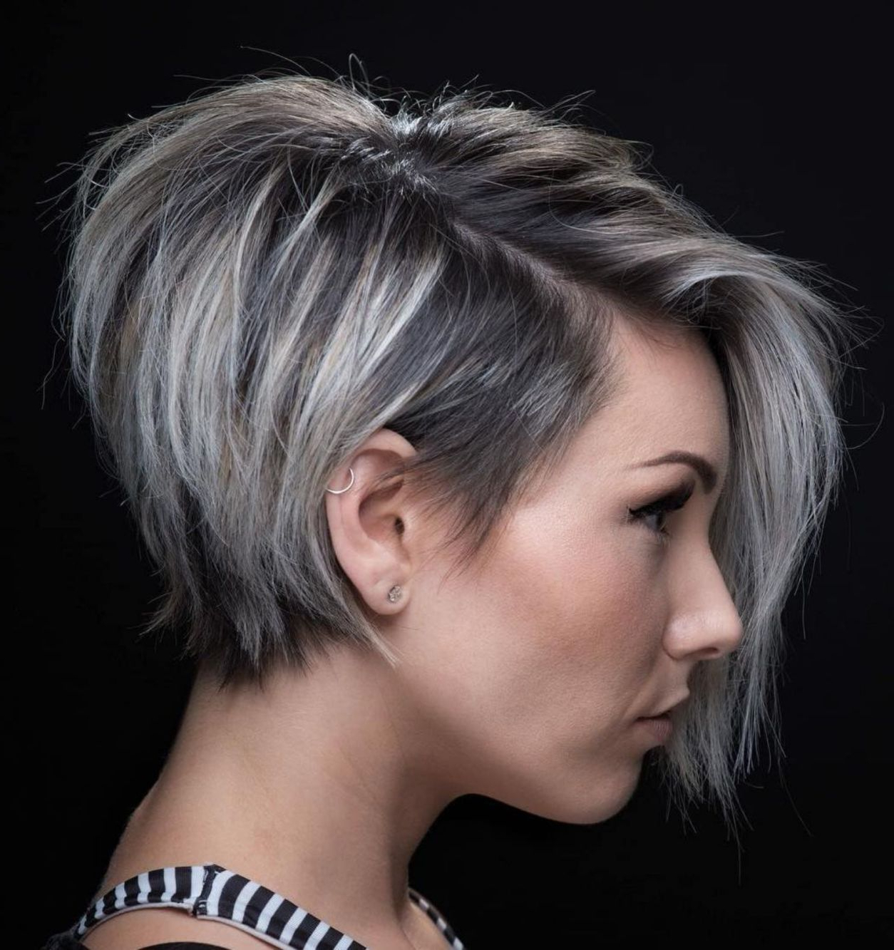 60 Classy Short Haircuts And Hairstyles For Thick Hair In 2018 Regarding Side Parted White Blonde Pixie Bob Haircuts (View 6 of 20)
