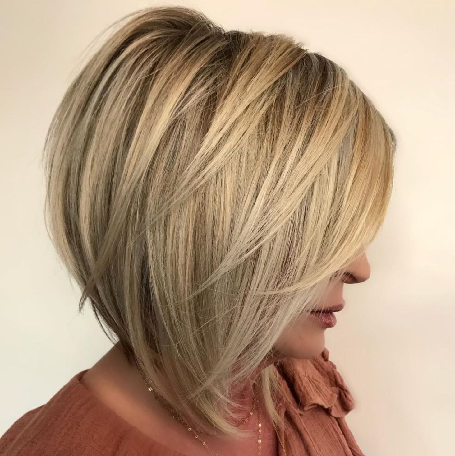60 Layered Bob Styles: Modern Haircuts With Layers For Any Occasion In Perfectly Angled Caramel Bob Haircuts (View 12 of 20)