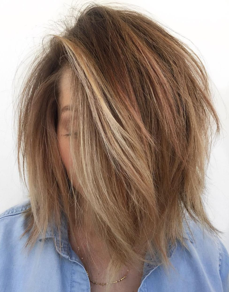 60 Messy Bob Hairstyles For Your Trendy Casual Looks | Hair Throughout Disheveled Brunette Choppy Bob Hairstyles (View 17 of 20)