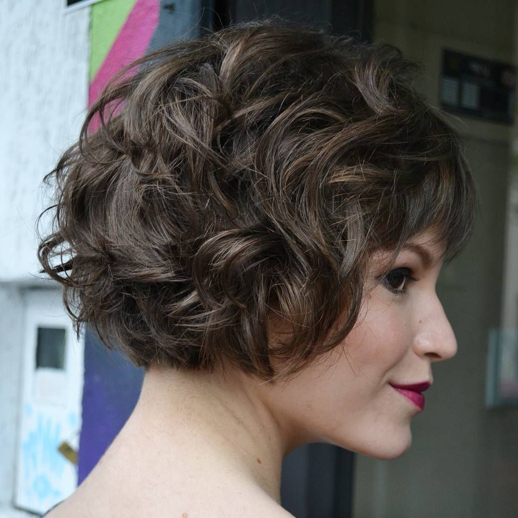 60 Most Delightful Short Wavy Hairstyles | My Style | Pinterest Regarding Nape Length Wavy Ash Brown Bob Hairstyles (View 3 of 20)