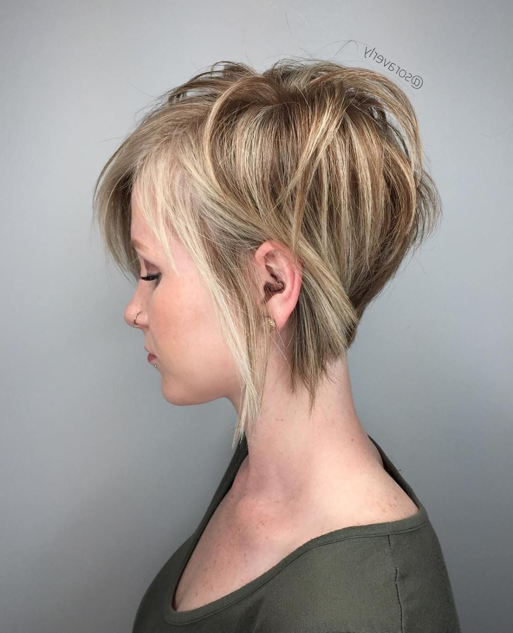 70 Cute And Easy To Style Short Layered Hairstyles | Blonde Pixie With Regard To Highlighted Pixie Bob Hairstyles With Long Bangs (View 9 of 20)