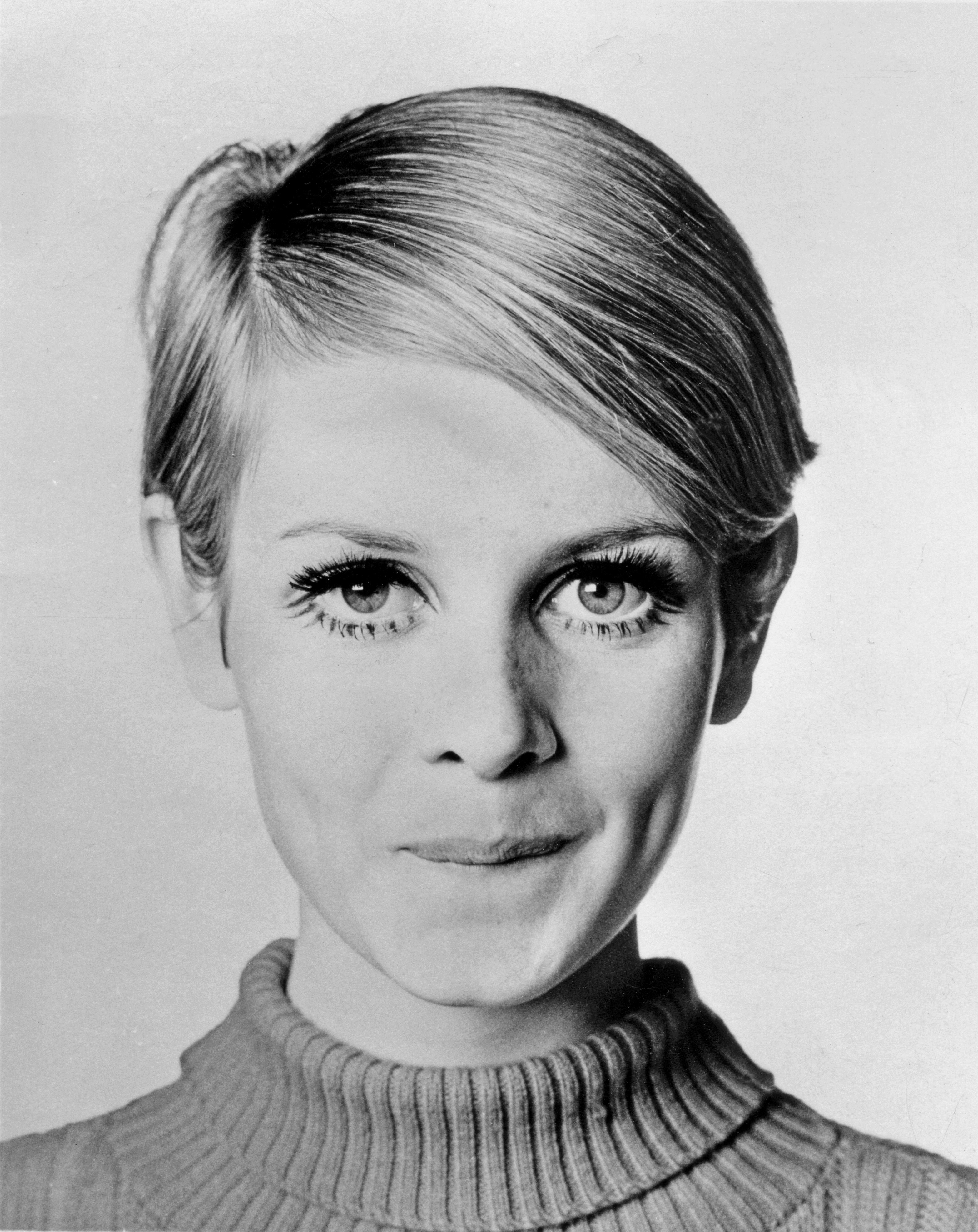A Celebration Of Twiggy's Most Iconic Hairstyles Of All Time Photos Regarding Sleek Metallic White Pixie Bob Haircuts (Gallery 11 of 20)