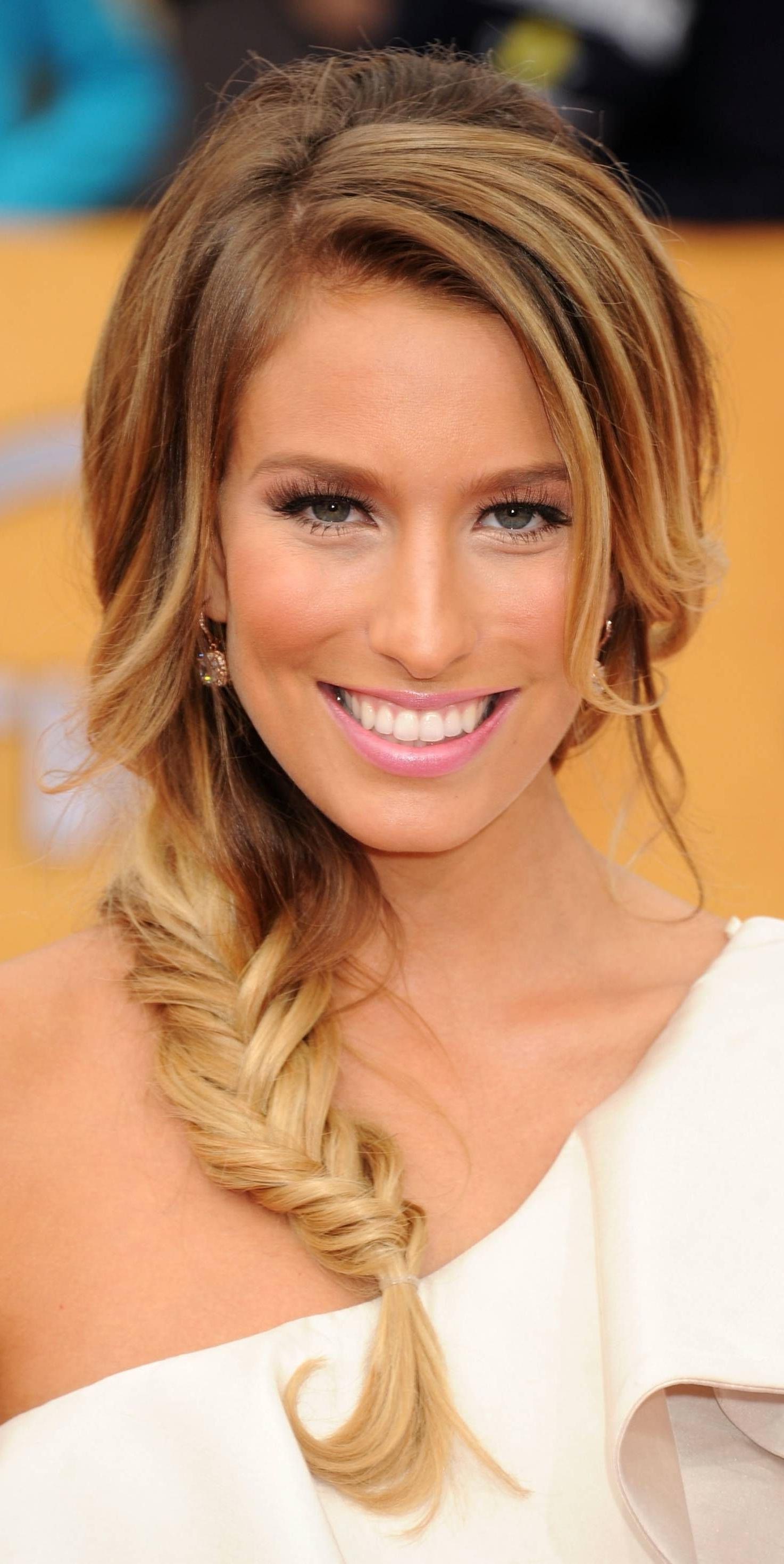 Braids: Hairstyles Featuring Braids (View 4 of 20)