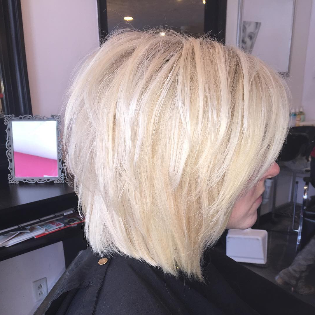 Cameron Diaz Casual Textured Platinum Blonde Bob Hairstyle Throughout Stacked Blonde Balayage Bob Hairstyles (View 15 of 20)