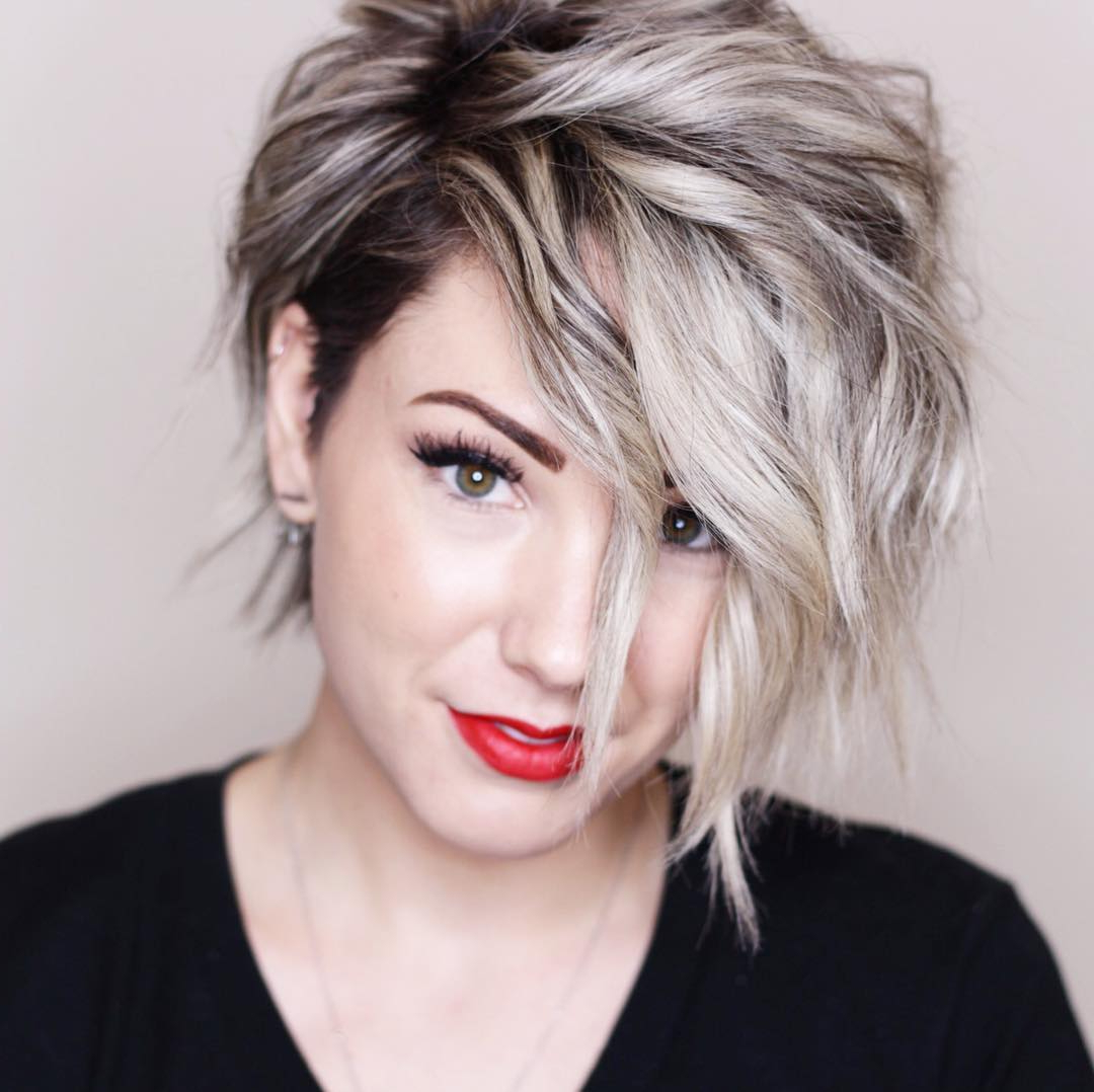 Chic Short Hairstyles For Thick Hair, Women Short Haircut 2018 With Regard To Straight Pixie Hairstyles For Thick Hair (View 16 of 20)
